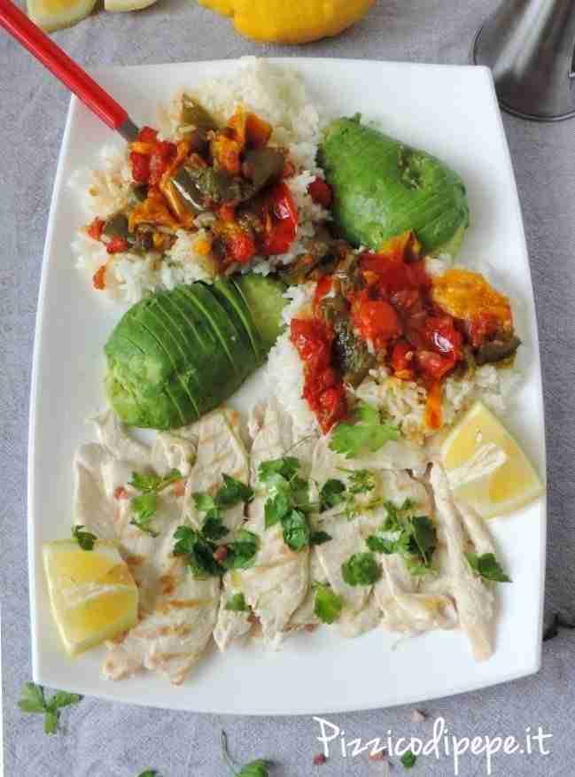Pollo-alla-piastra-riso-naturale-peperonata-avocado