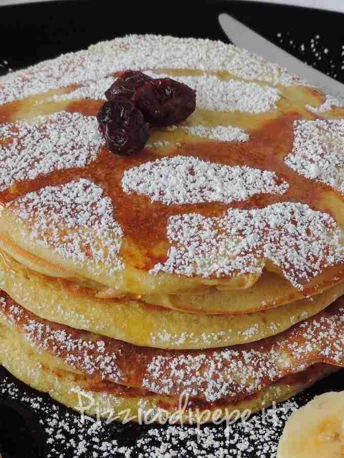 pancakes-soffici-con-esubero-pasta-madre-679x904